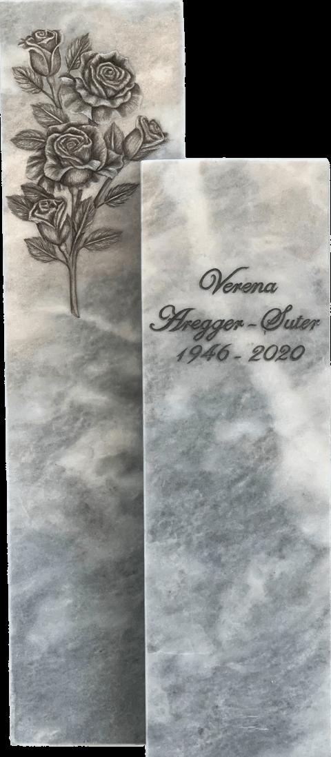 Zweiteiliger Grabstein aus Kaplan Marmor mit einer Reliefgravur eines Rosenstrauchs